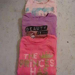Bundle of 3 girls long sleeve graphic t-shirts